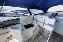 Itama-54-charter-yacht-interni-pozzetto